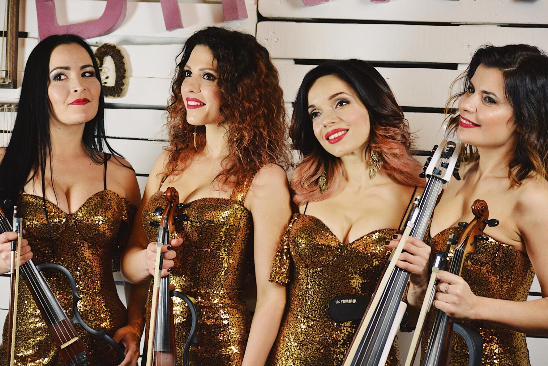 www.asturiagirls.com